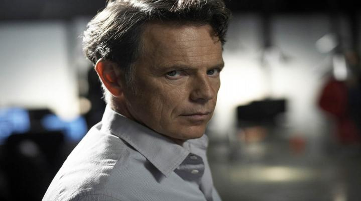 Bruce Greenwood Computer Background 1230
