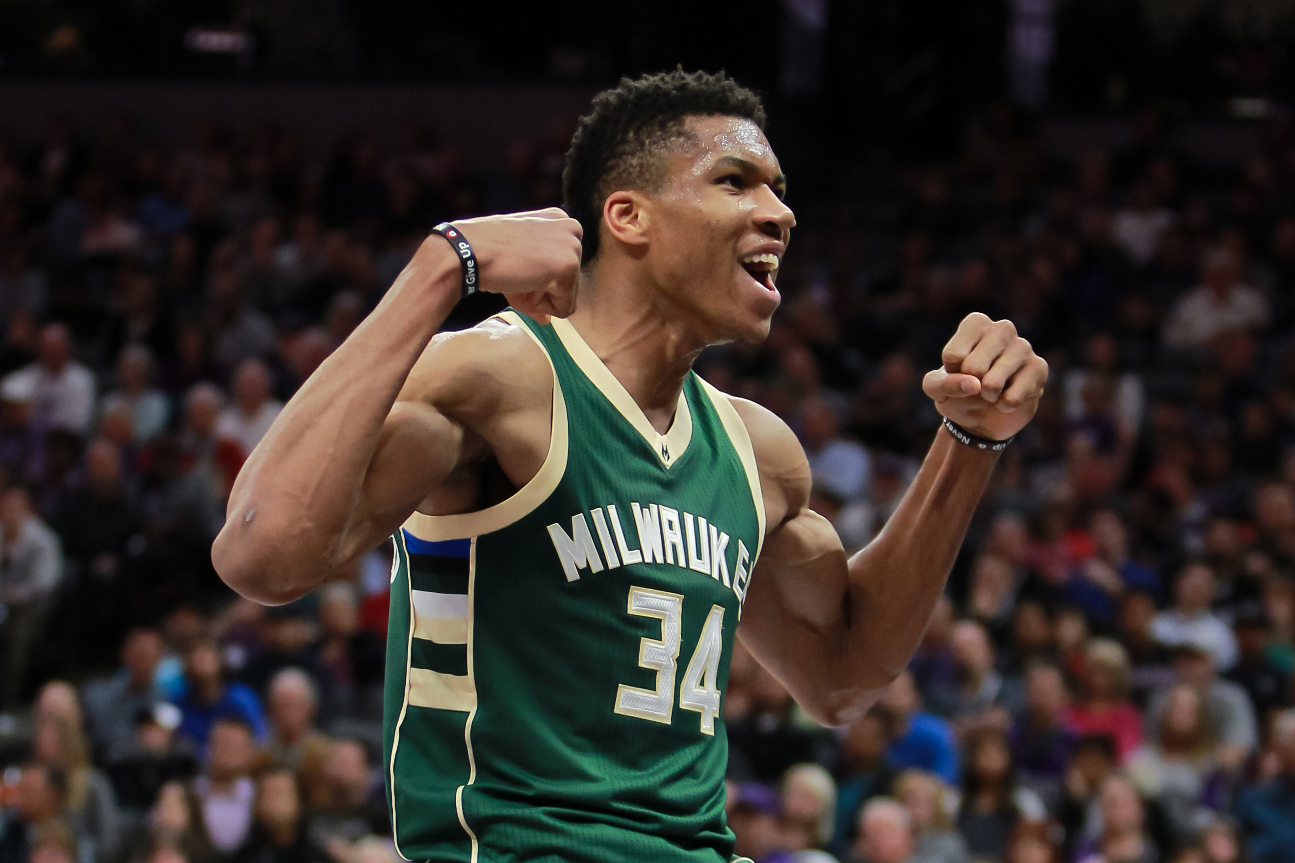 giannis antetokounmpo widescreen computer wallpaper 588