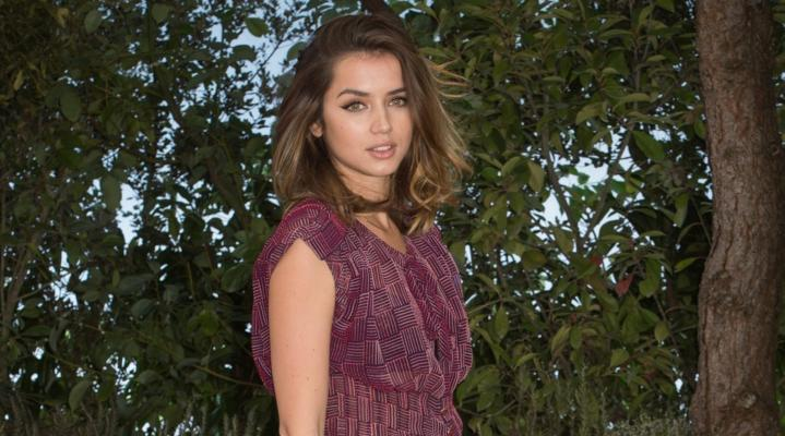 Ana de Armas Widescreen Desktop Wallpaper 1111