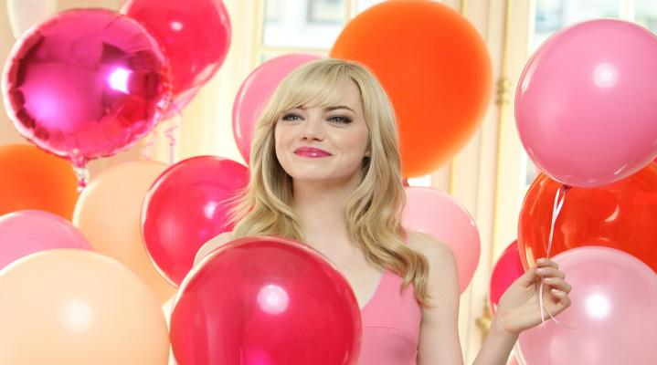 Emma Stone Balloons 4K Widescreen Desktop Wallpaper 1393