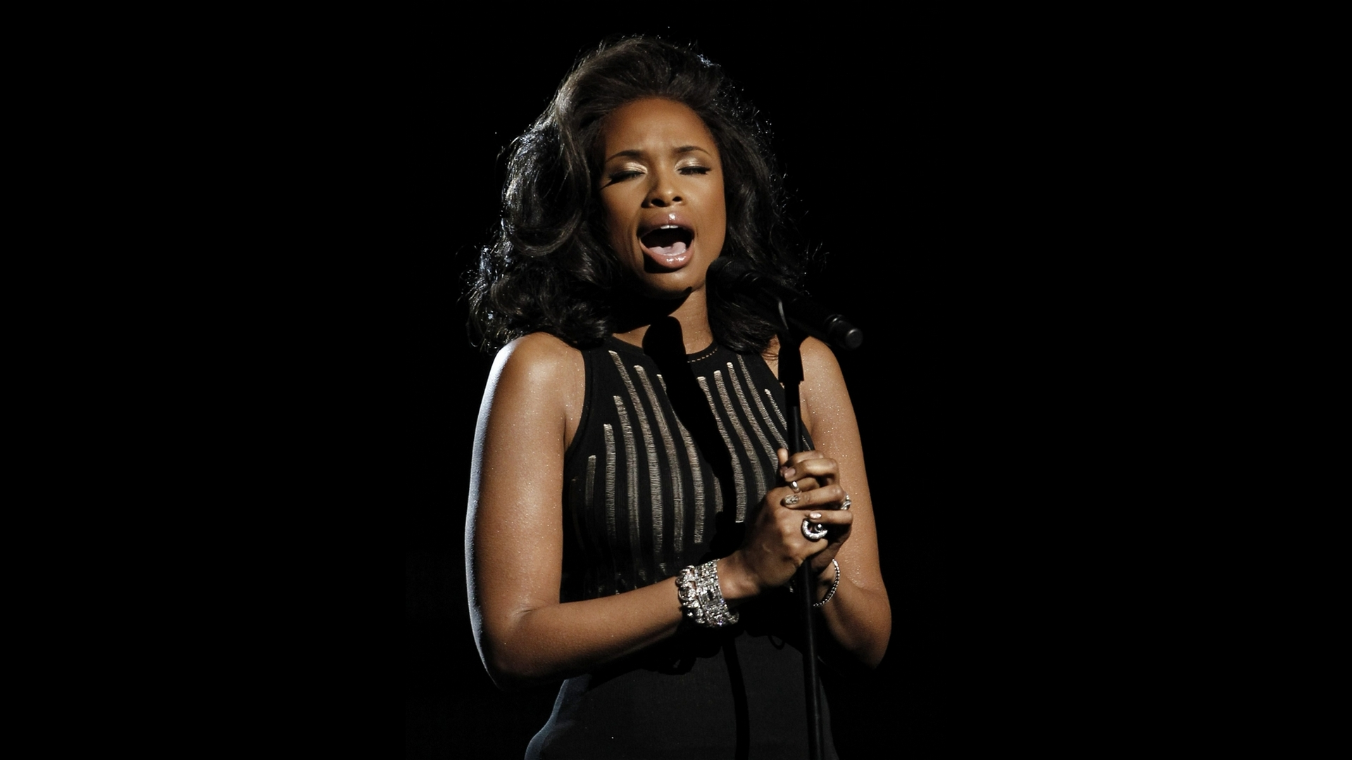 jennifer hudson singing wallpaper 162