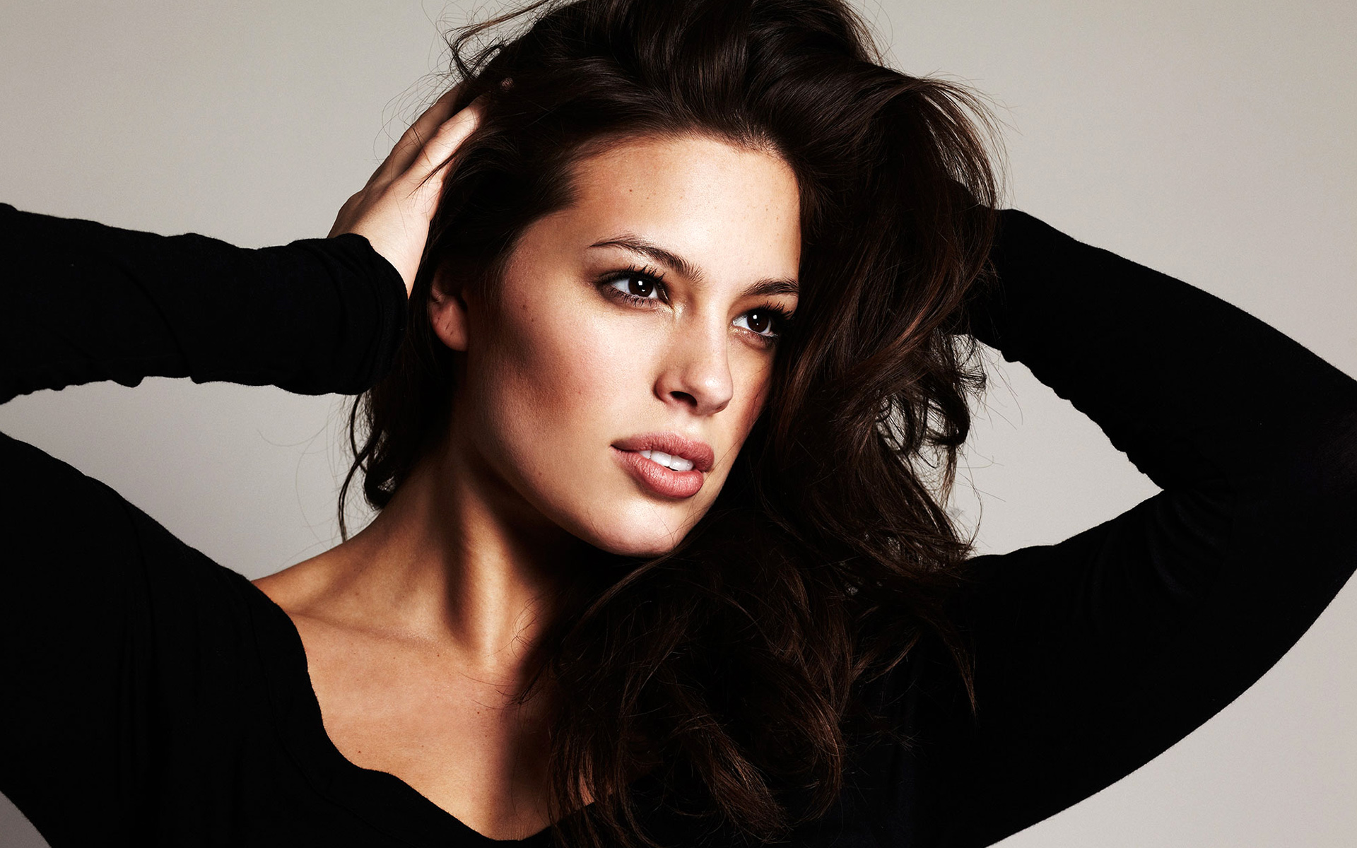 ashley graham widescreen computer background 1140