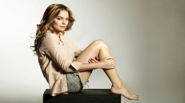 Margot Robbie Photo Shoot Desktop Wallpaper 863