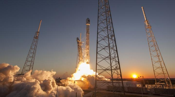 SpaceX Rocket Wallpaper Background 258