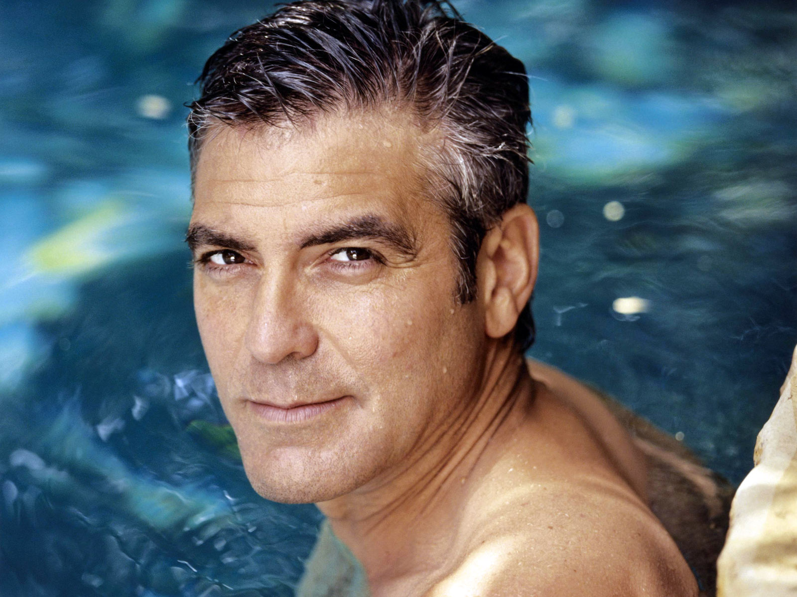 george clooney swimming wallpaper 609