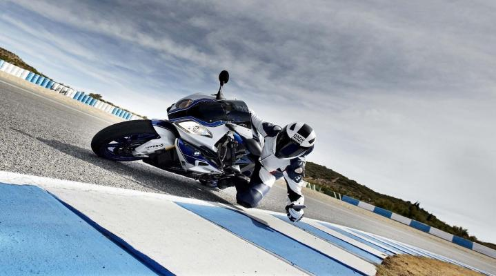 BMW HP4 Desktop Wallpaper 1005