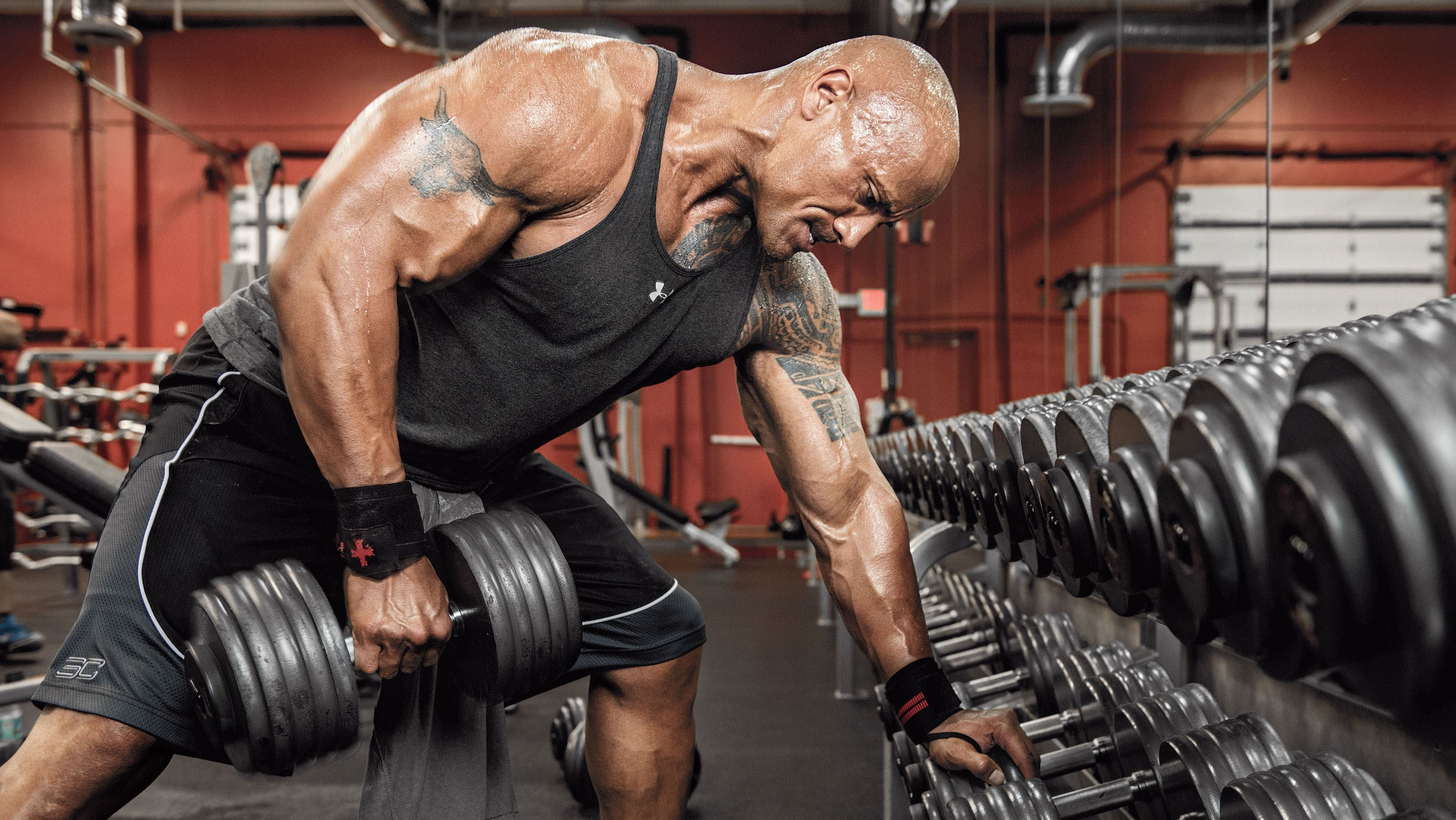 dwayne johnson lifting weights 4k wallpaper 2221