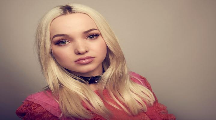 Dove Cameron 4K Background Wallpaper 1907
