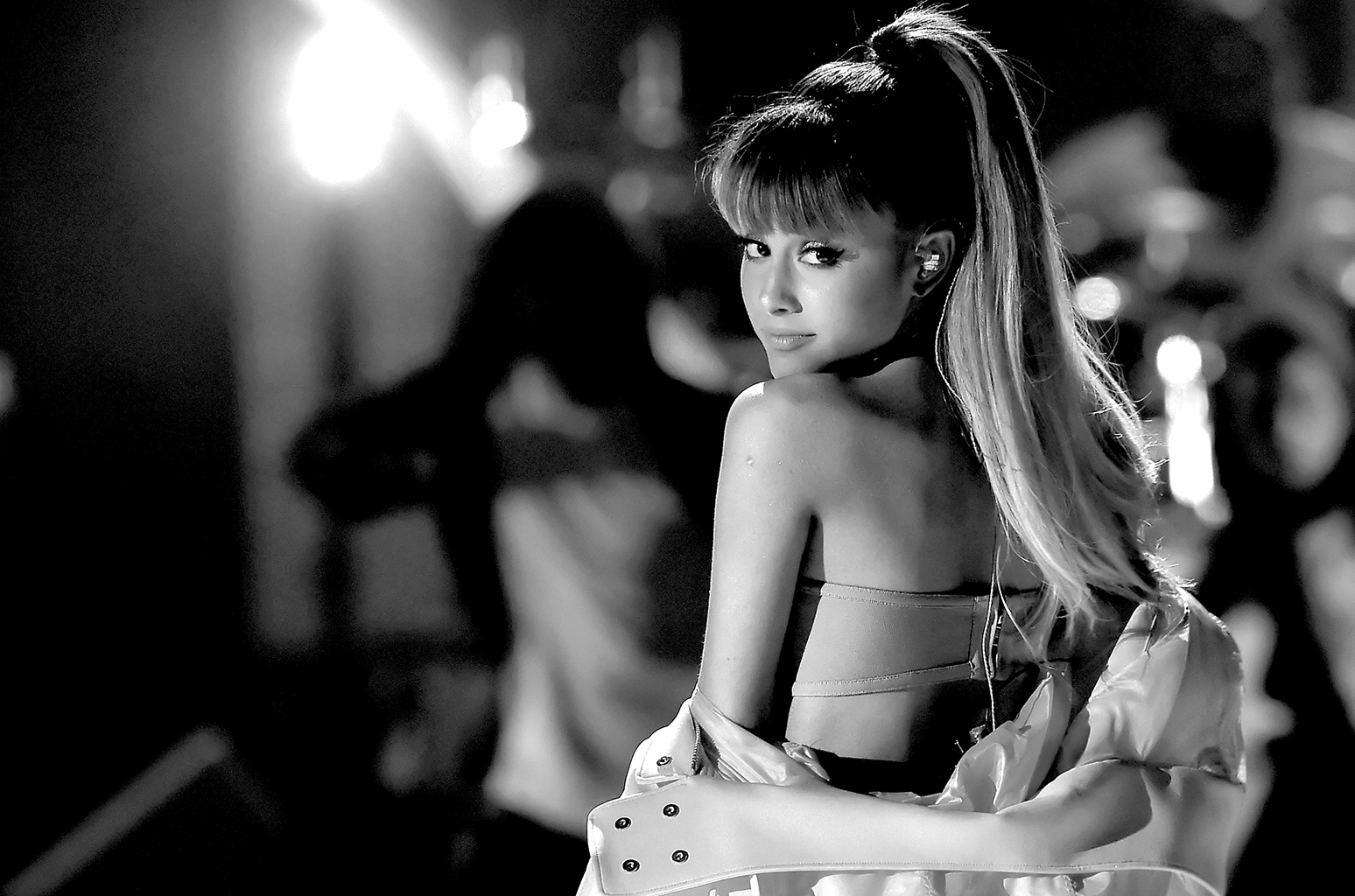 ariana grande black and white wallpaper 1681