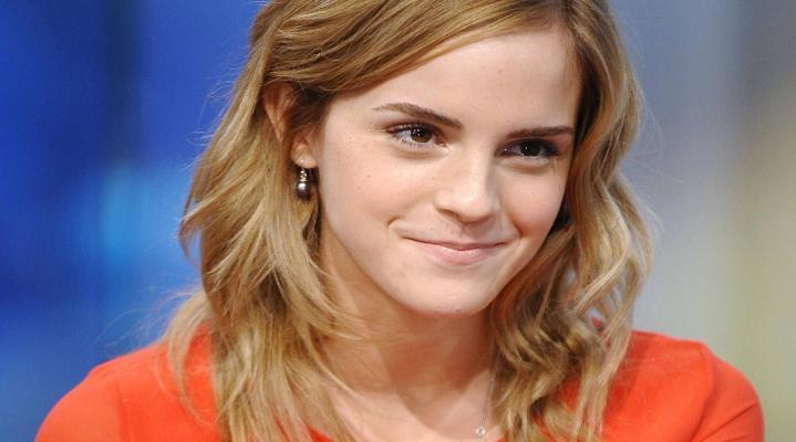Emma Watson Cute 4K Wallpaper 2067