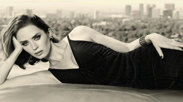Emily Blunt Hot HD Wallpaper 1955
