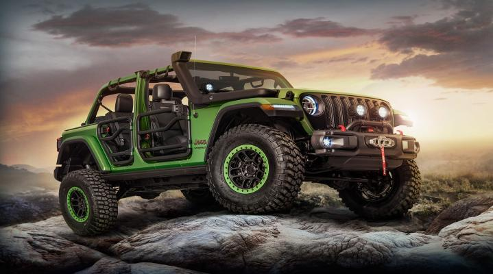 Green Jeep Outdoors 4K Wallpaper 2432
