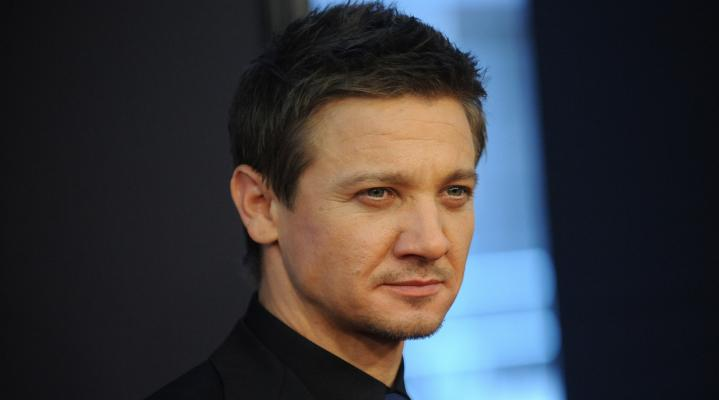 Jeremy Renner Hot HD Wallpaper 2441