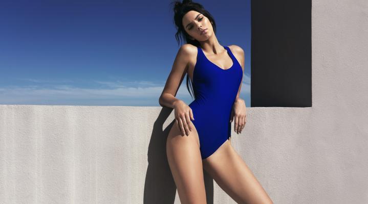 Kendall Jenner Sexy Swimsuit HD Wallpaper 2570