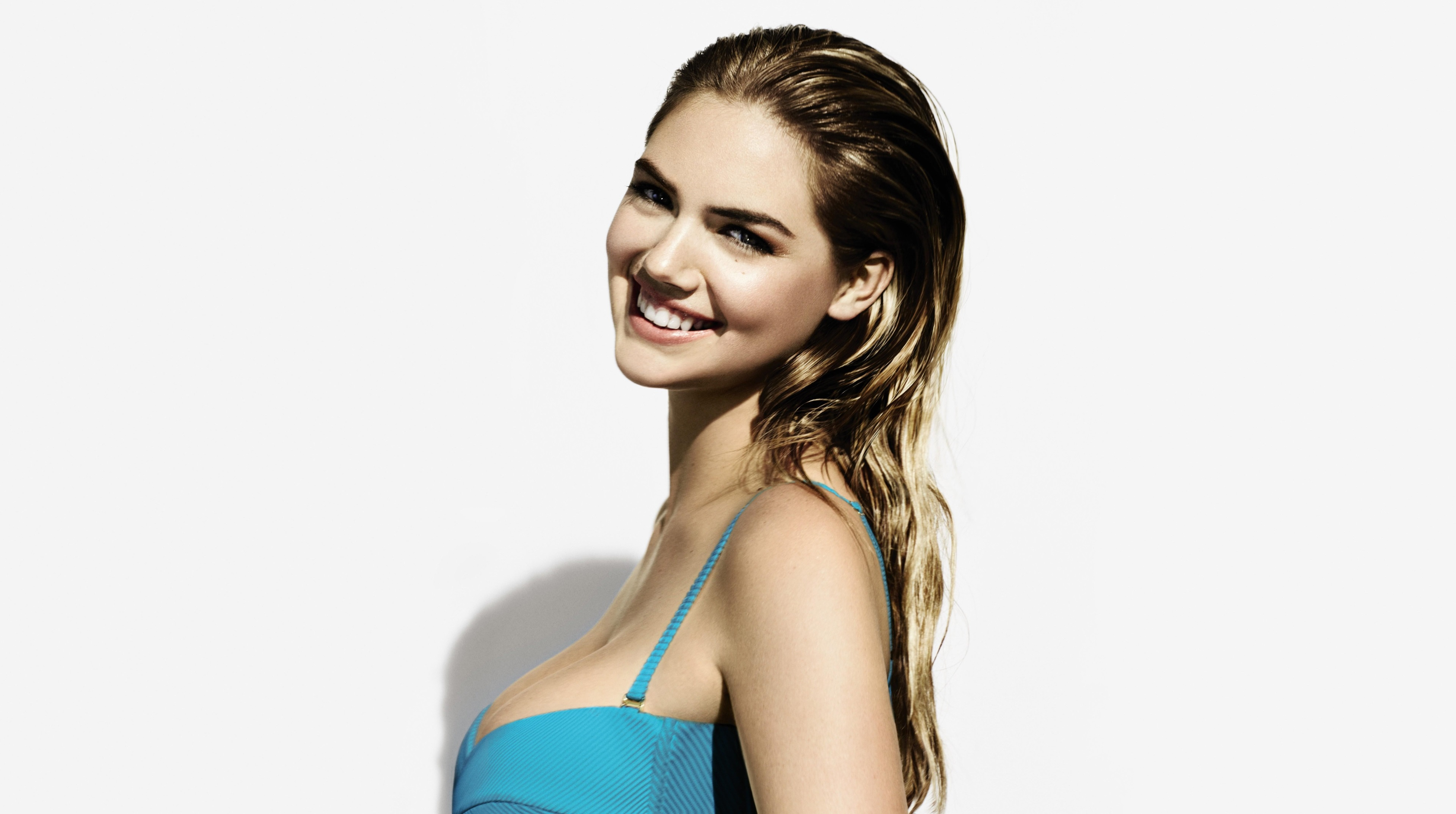 kate upton sexy 4k wallpaper background 2490